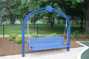 Swinging Bench2